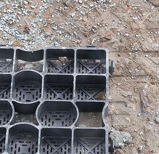 Verlegung Paddockplatten